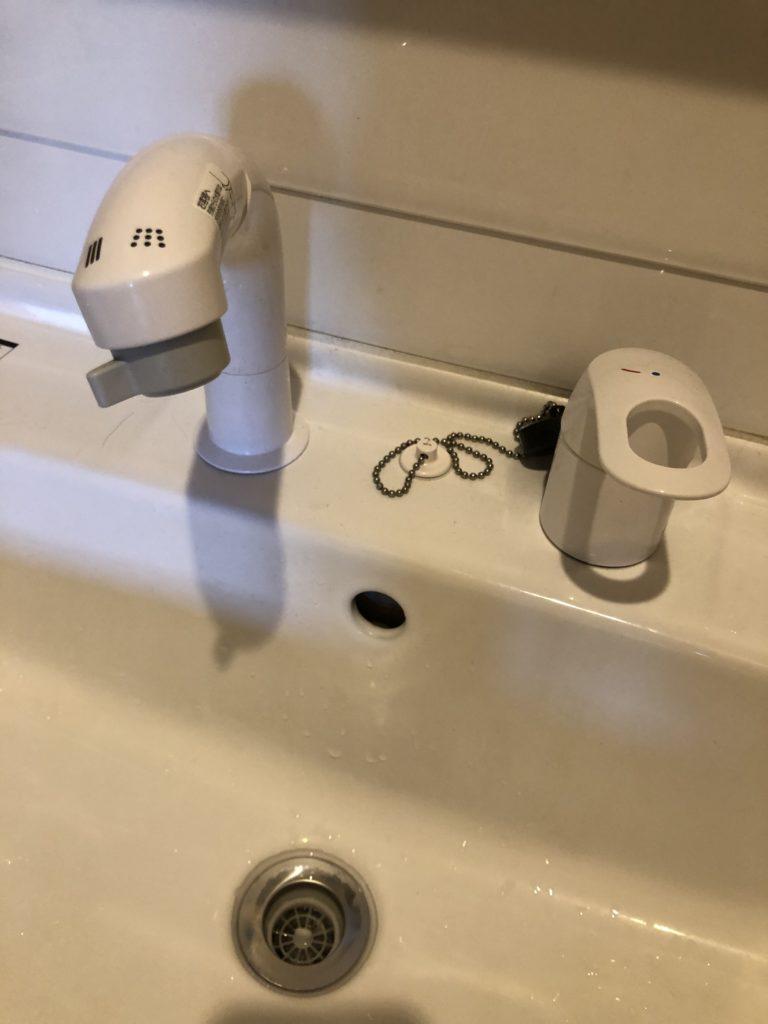 さくら市で洗面蛇口の水漏れ修理を行いました。