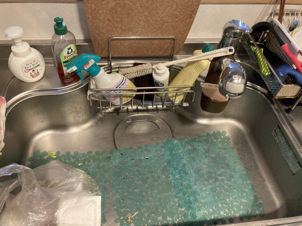 栃木県小山市城北でキッチンの水漏れ修理を行いました。