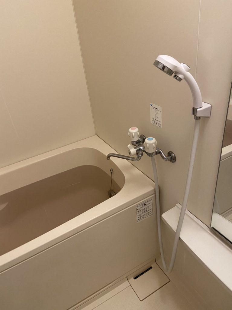 栃木県佐野市で浴槽の水栓を修理しました。